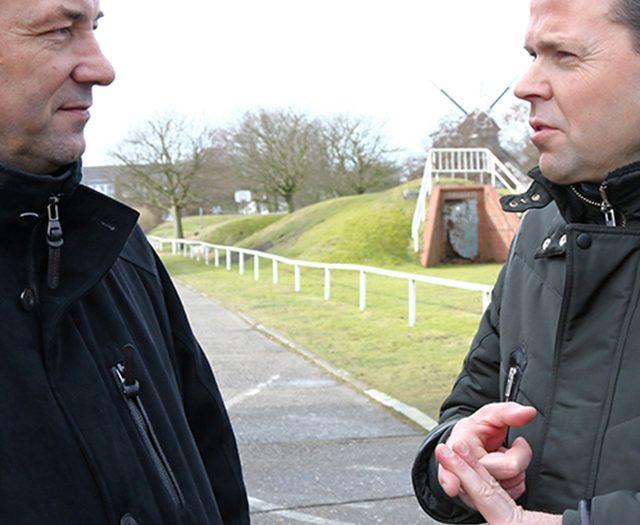Johann Saathoff mit Bürgermeister Frank Ulrichs im Gespräch