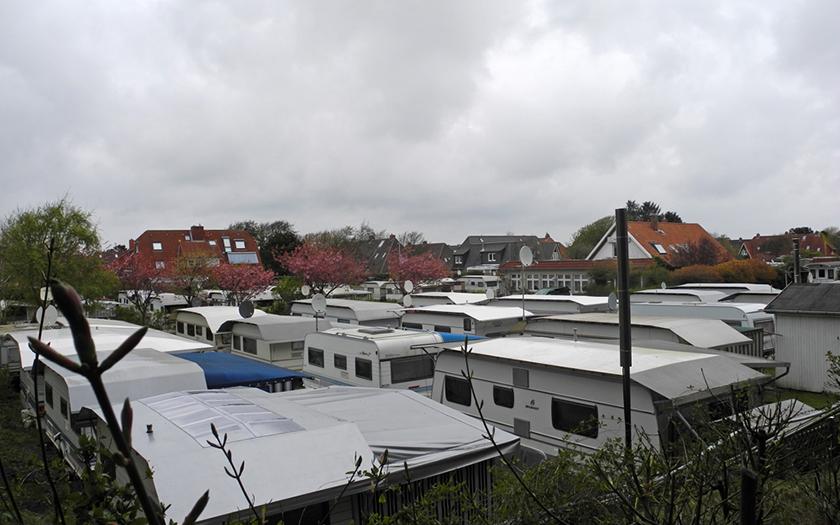 Blick über die Dächer der Wohnwagen