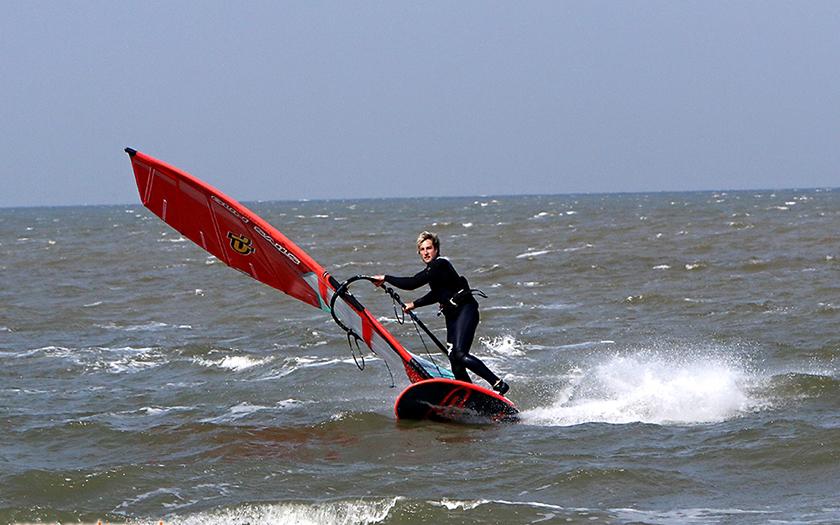 Dennis Müller trainiert am Nordstrand