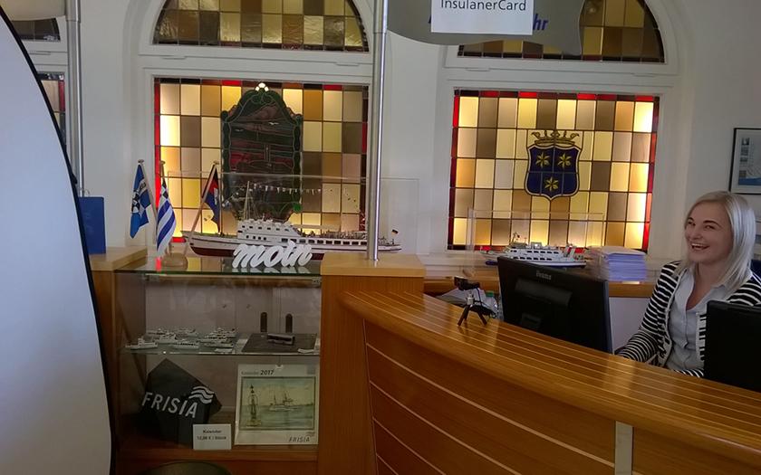 Schalter der Frisia für das neue Ticketsystem