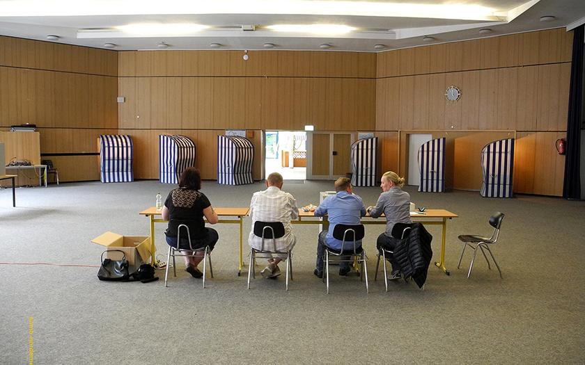 Wahlraum bei der Abstimmung zur Zentralklinik