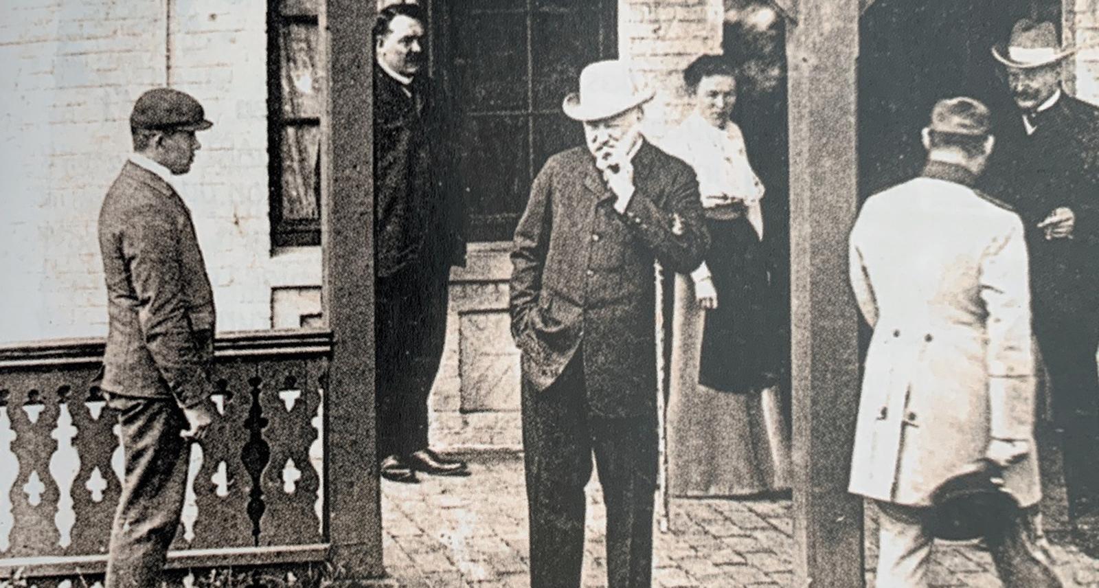 Reichskanzler Bülow auf der Terrasse der Villa Fresena
