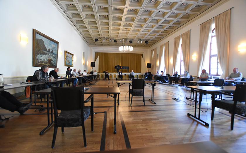 Eine Ratssitzung mit viel Abstand im Conversationshaus