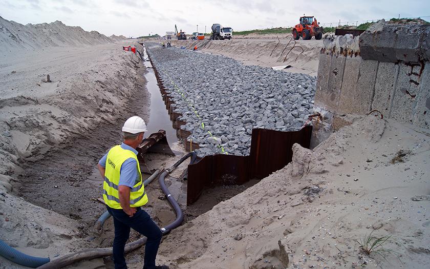 Arbeiten am Westdeich von Norderney