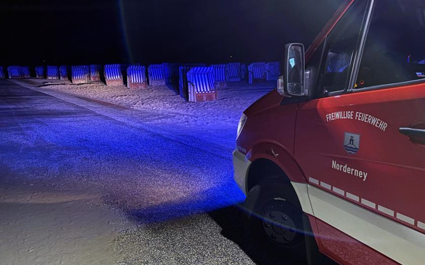 Einsatzleitwagen der Feuerwehr am Norderneyer Nordstrand