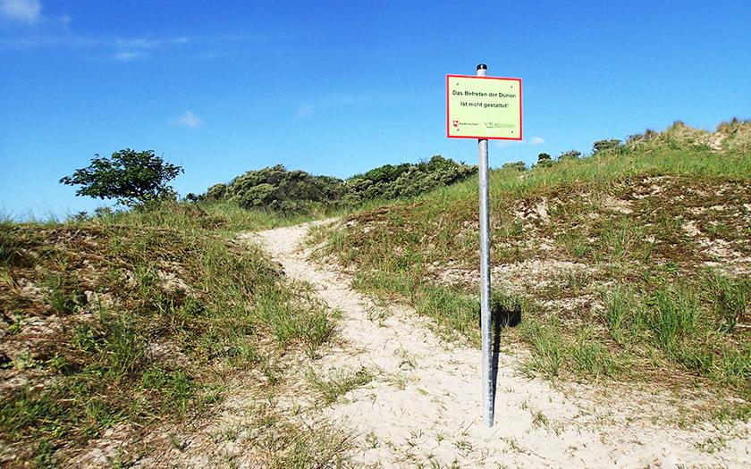 Schild macht auf das Betretungsverbot aufmerksam