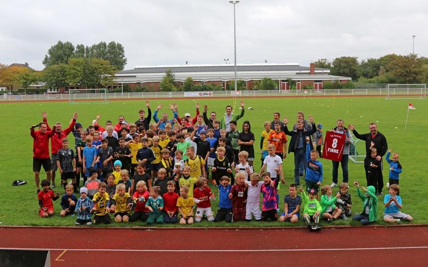 Gemeinschaftsfoto der Mannschaften des Finne-Cup 2021