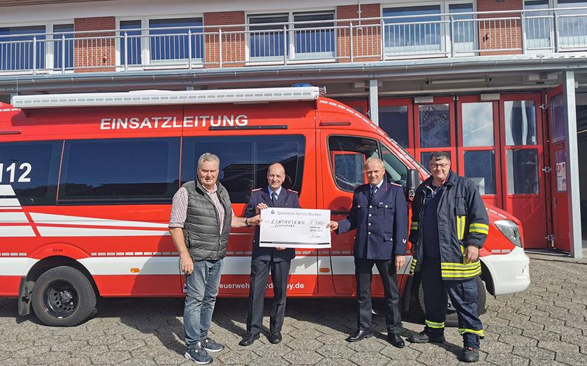 Die Freien Wähler spenden an die Norderneyer Feuerwehr