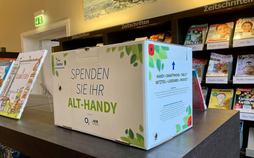 Karton für Handyspenden in der Bibliothek im Conversationshaus