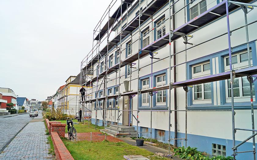 Häuser in der Tannenstraße eingerüstet